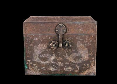 孔雀纹银方盒