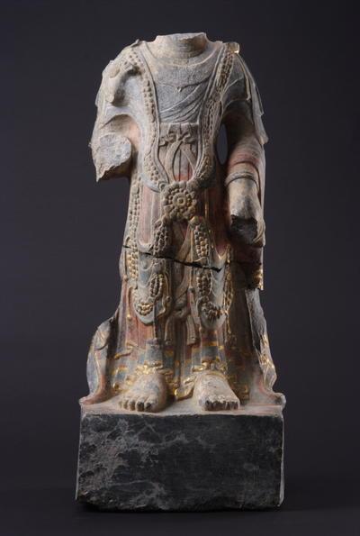 彩绘菩萨立像