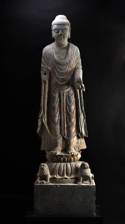 张子造释迦佛立像
