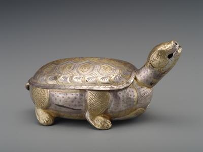 鎏金银龟盒