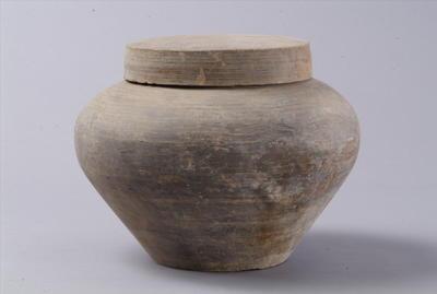 西汉带盖陶盒