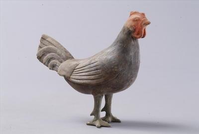 西汉彩绘陶公鸡