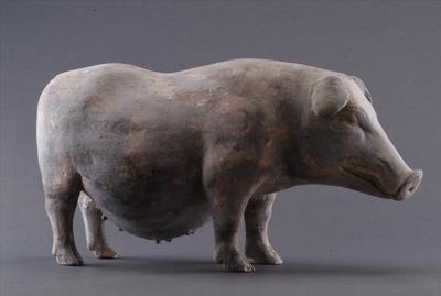 西汉彩绘陶母猪