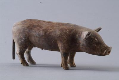 西汉彩绘陶乳猪