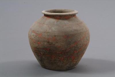 西汉彩绘陶罐