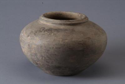 西汉灰陶罐