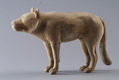 西汉彩绘陶狼犬