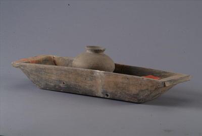 西汉带陶罐的舟形器