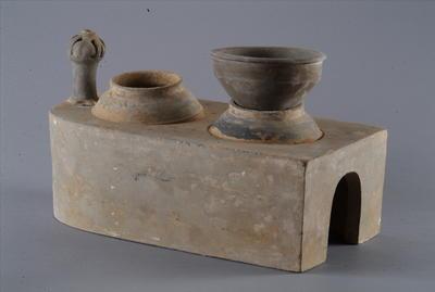 西汉带釜、甑的陶灶