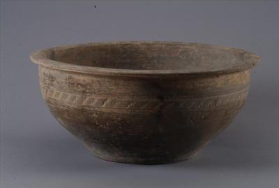 西汉灰陶盆