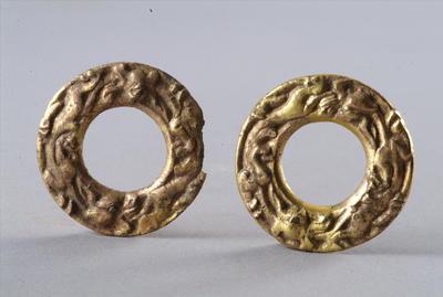西汉鎏金铜双龙纹圆形车马饰