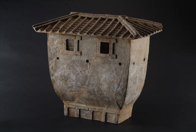 西汉房形彩绘陶仓