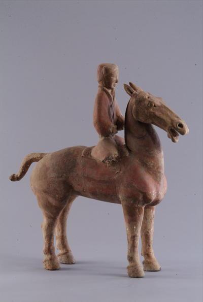 西汉彩绘骑马俑
